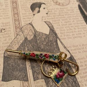 Embroidered vintage pin umbrella and purse